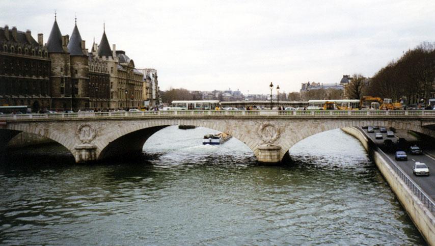 http://www.ho0sier.com/fr/paris/seine.jpg